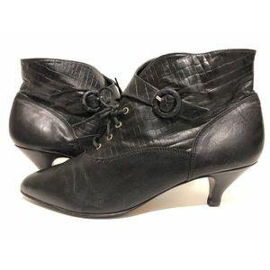 Vtg 80s Embossed Leather Ankle Booties Kitten Heel